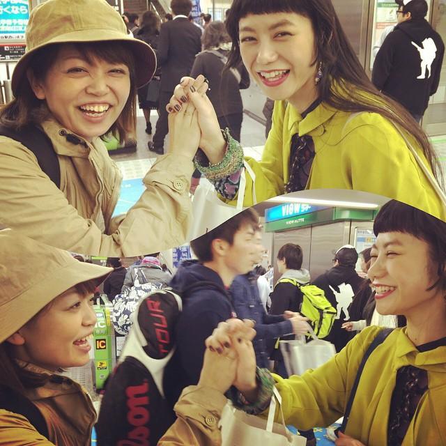 北海道から遊びに来ていた友達のお姉ちゃん私の話に涙してくれたり、笑顔が可愛い素敵なお姉ちゃんで、いつも応援してくれていたから本当に会えて良かった!!大好きな姉妹