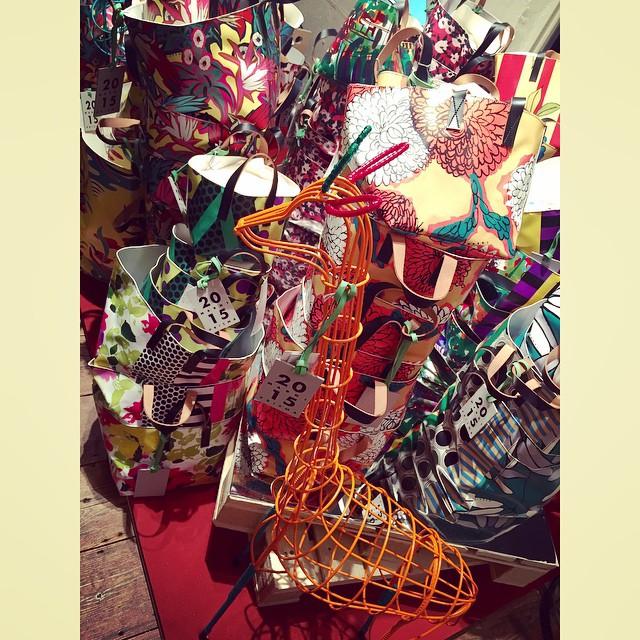 今回のチャリティー企画は,どのアイテムもMARNIでこの値段⁈⁈というくらいの価格!!この可愛いBag達は、ほぼ1万円代でGet出来るよ︎︎#marni #marniblossommarket #aoyama #bag #fashion #チャリティー