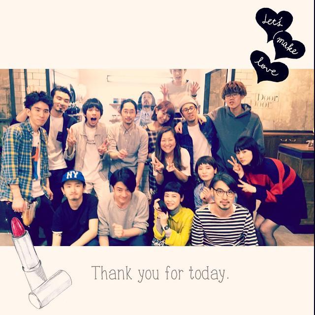 撮影帰りに髪のメンテナンスで今日もここへ️今日も最後にみんなで撮ってくれたぁ4月からの新メンバーも入って更にPower Upいつも感謝...#hair #salon #door #daikanyama #ドゥーア #代官山