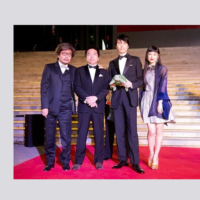 ただいま日本に帰国しました!️北京国際映画祭に日本映画が初めて出品ということで、『ラブ&ピース』のメンバーとして、私も行かせていただきました!本当に感激で、感謝しかありません!!!ニュースにも出ているみたいで、写真もみんなありがとう!本当に貴重な経験。精進します。#北京国際映画祭 #ラブピース #園子温 #長谷川博己 #izumi