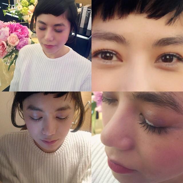 ファンデーションを使わずに,日焼け止めとコンシーラーだけで透明感のある肌を作る。コレクションのように,目の上中央だけ四角にアイシャドウを乗せる。目の上のシルバーのアイシャドウをラインのように!素敵すぎて、アイテム購入!自分でできるのか〜〜〜!!?やってみよう#dior #makeup #make @dior #徳永靖弘 #メイクアップアーティスト