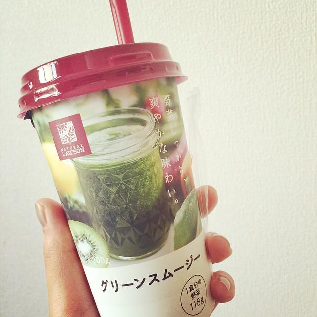 最近スムージーを作ってなかったからこれ!yammy〜〜〜♡#スムージー #野菜 #drink #juice