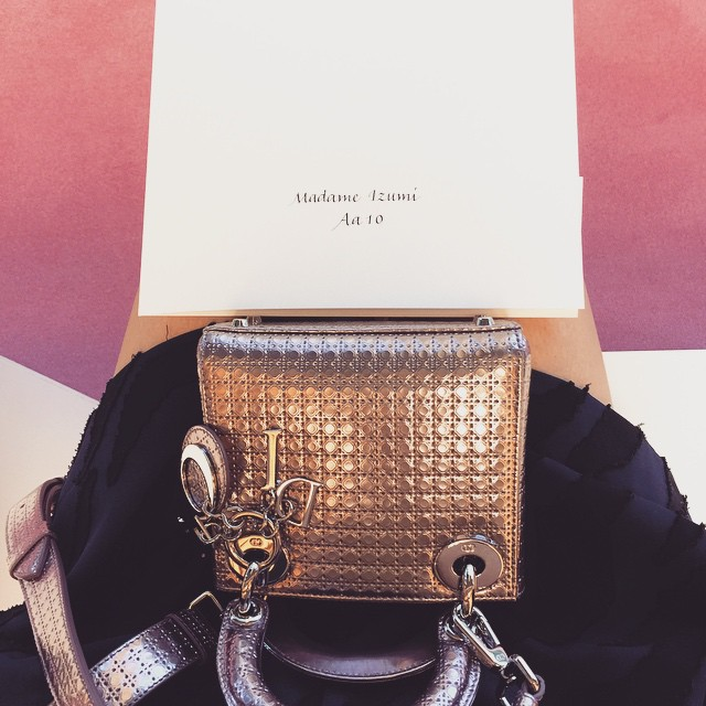 @dior 間も無くショーです!みんなにお届けするからねー️#dior #diortokyo #diorellejp #ellegirl #fashion #bag #cd #fashion #show #fw
