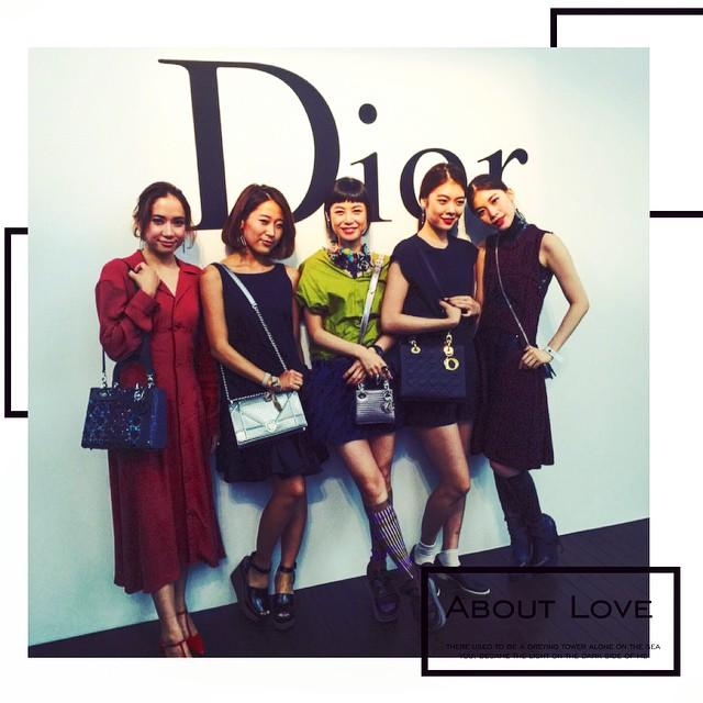 @ellegirl_jp curators♡新国立美術館がdiorの世界観とマッチしすぎて,エスカレーターから上がってくるモデル達の演出は圧巻でしたルックもまたじっくり味わいたいなぁdior love...Thank you. @dior #dior #diortokyo #diorelle360 #diorellejp #elle #ellegirl #curator