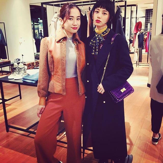 @ellegirl_jp キュレーターの@bakerelisa ちゃんとそれぞれ,お気に入りのアウターを着させてもらったよ上品な素材にシルエット。年齢を重ねるごとに着たいアウターだなぁ。♡#martinique #丸の内 #party #fashion #fall #winter #outer #coordinate