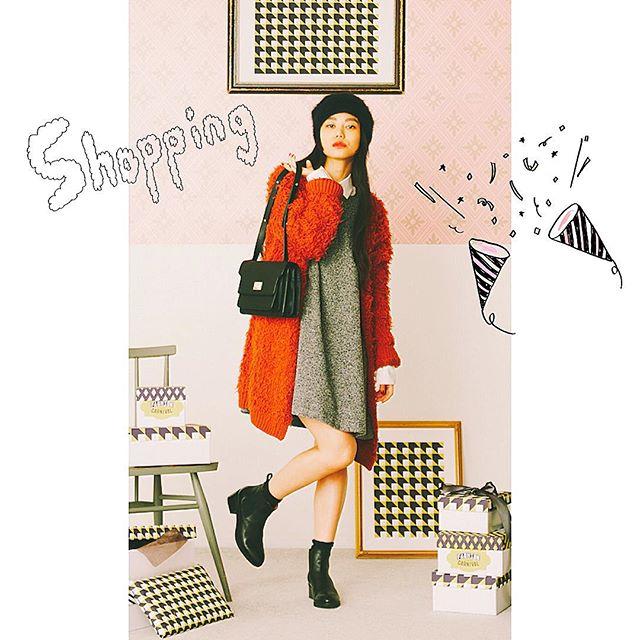 @lumine_official の公式HPには、stylist 山王丸さんが組まれたオシャレなコーディネートがたーくさん載ってるよ #onepiece :#ADAMETROPE#Gown : #ADAMETROPE#Bag :#ADAMETROPE