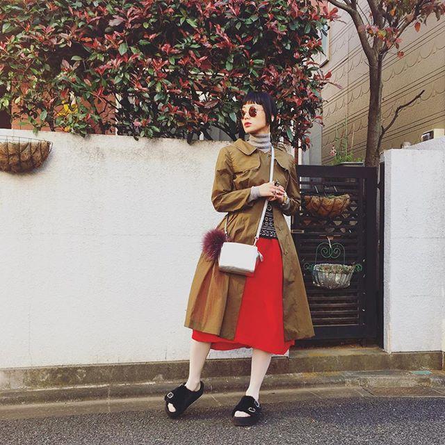 昨日のしふく #IZUMIsfashion #fashion#ootd#outfit #uniqlo #marni#apartbylowrys #fur#me#skirt#emoda#mickelkors #skiiレッドバタフライ #ellelovesskii#WEAR