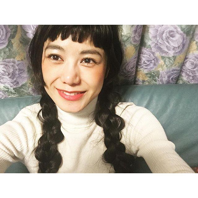 先日教えてもらった三つ編みをしようと思ったんだけど、やっぱり自分ではあの時みたいになりませんざんねん;_;でも今日もHappyな1日でした️ #hair#make#self#三つ編み#uniqlo