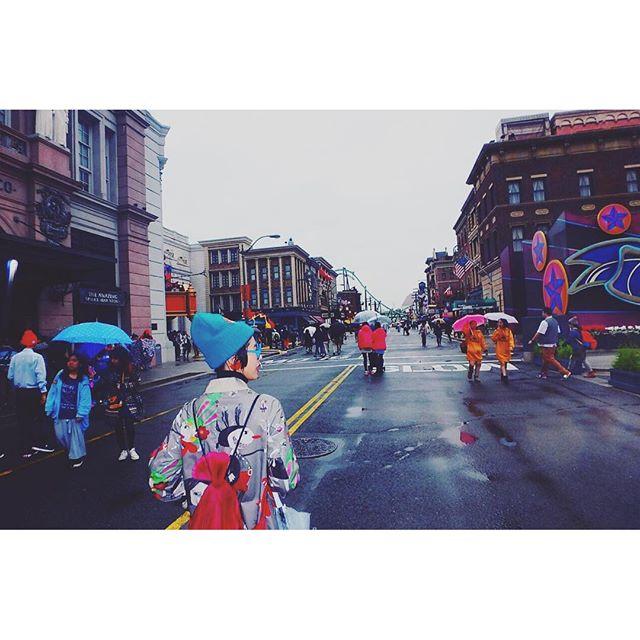 改めて、USJの旅START〜🌎🌎🌎(思い出編️)... #USJ#大阪#alberobello #IZUMI#rain#fashion