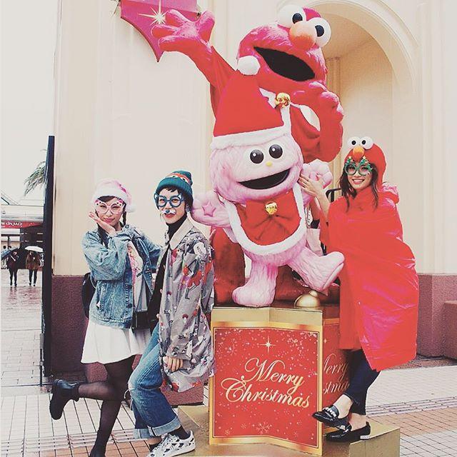 入り口からさっそくChristmas〜....#USJ#大阪#happy#xmas #エルモ