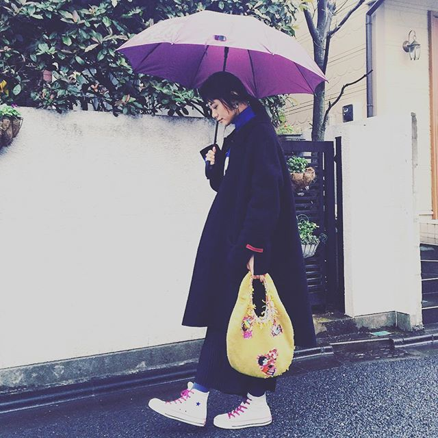 rainy day....#IZUMIsfashion#fashion#ootd#outfit #coordinate#rain#bag#winter#bag#converse#WEAR