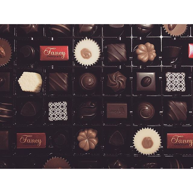 開けた瞬間、テンション上がるやつ◯️◉△▼...#chocolate #happy#sweets