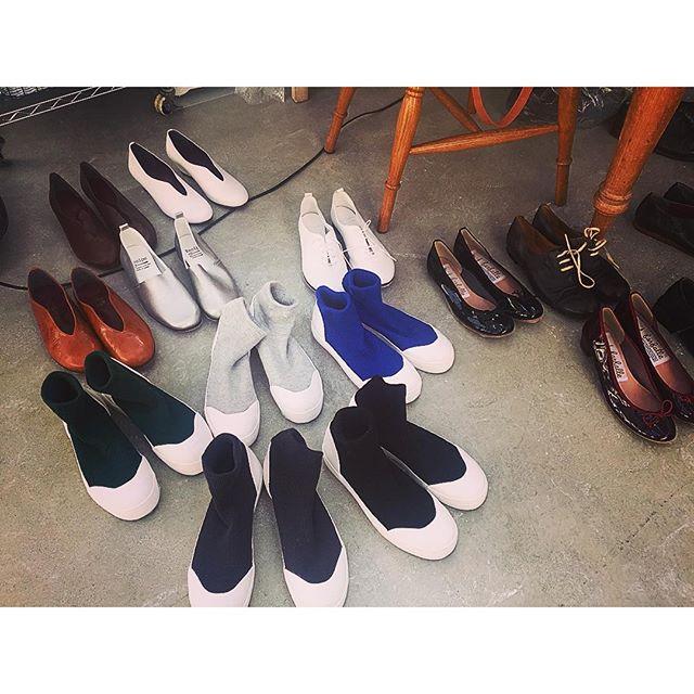 今日の撮影で履いたこの靴に一目惚れ!靴下履かなくても履いてるみたい!可愛かったなぁ!...#ナチュラン#リンネル#shooting #shoes