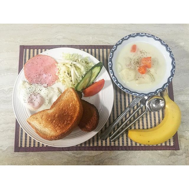 朝はしっかり食べる派の私だけど、今朝はすごいボリュームになっちゃった!笑....#home#cooking#breakfast