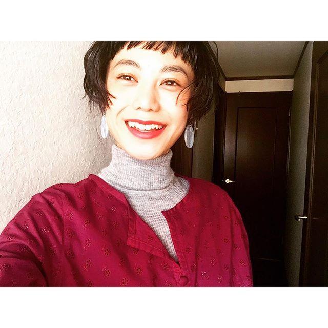 昼間はポカポカ️♡...#IZUMIsfashion #ootd#spring #happy#uniqlo #hair #makeup #self