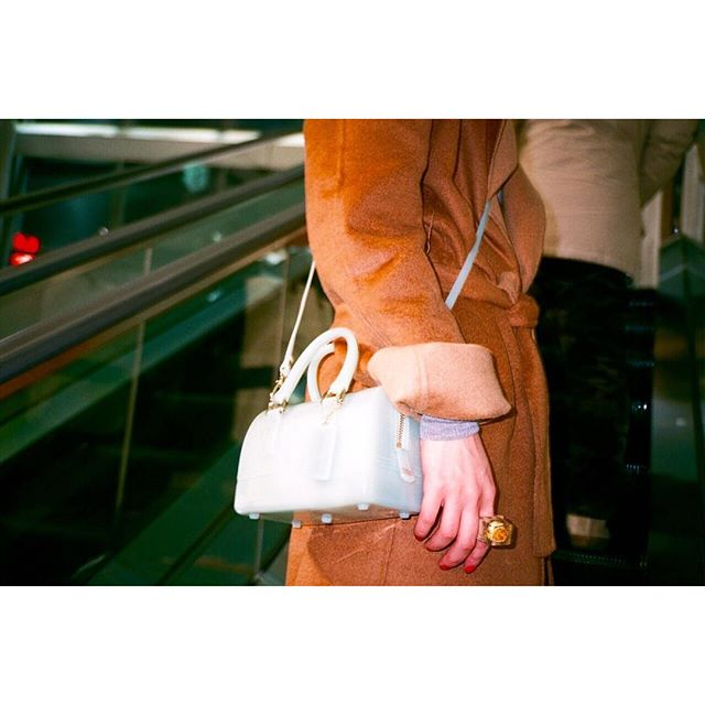 お気に入りのmini bag. @furla ...#IZUMIsfashion #fashion #photo#snap#photoby @tada.dairei
