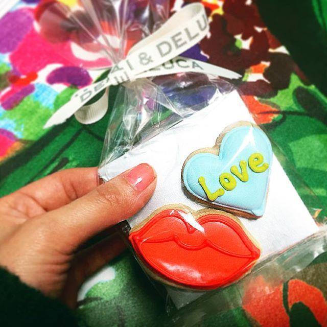 @deandeluca のアイシングクッキー.♡いつも誰かにあげることを考えて見ちゃうけど、今回は可愛すぎて初めて自分に...#deandeluca #love#cookies