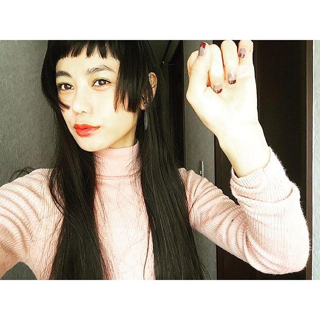 さっそく@dior のグリーンのシャドウとLipで春メイクやっちゃった!♡...#IZUMIsfashion#spring#hair#makeup#lip#self#Dior#UNIQLO