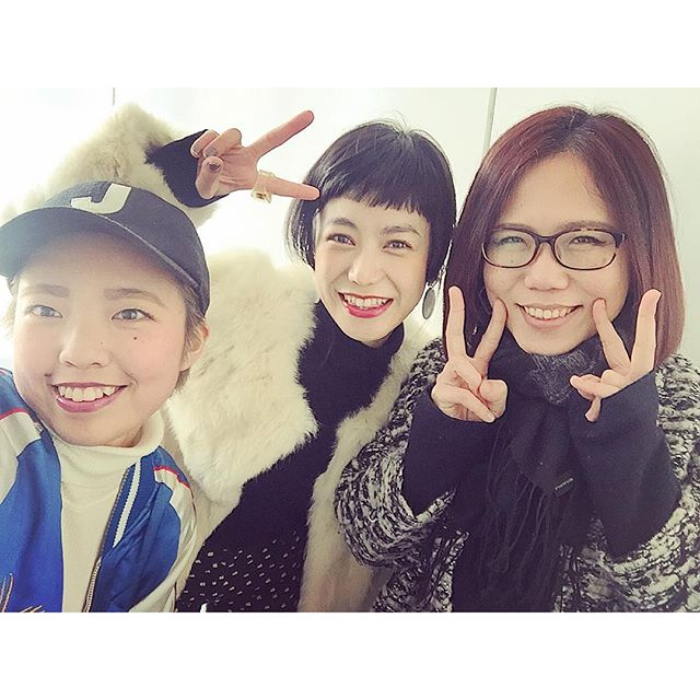 今朝は@ellegirl_jp online撮影。いつも通り、和気あいあいでとっても楽しかった!with editor @fuminatsuji ちゃん ♡photographer @mktkhr さん♡...#ellegirl #online#shooting#fashion #fun#love