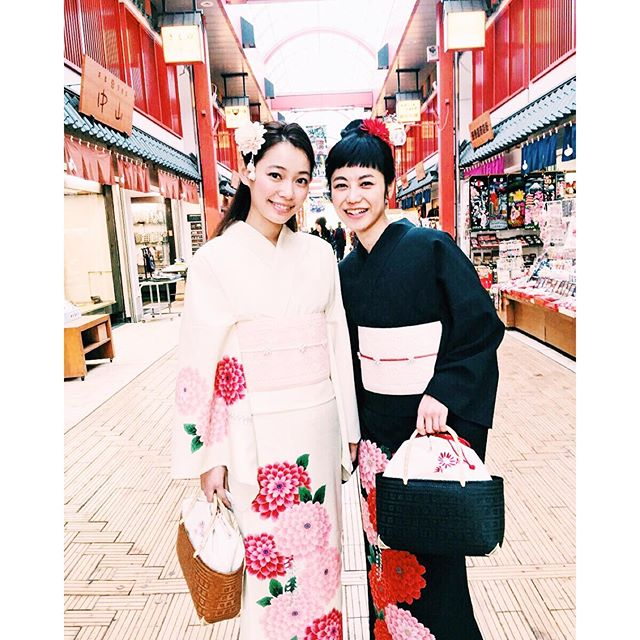 今日は終日@yurie__a  ちゃんと一緒👭とっても可愛くて、私は彼氏のような気分😎️...#mimatsu#shooting #summer#japan#models#阿久津ゆりえ#IZUMI#浅草#浴衣