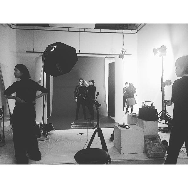 まだまだ撮影中!...@ellegirl_jp #ELLEgirl#shooting #models#givenchy