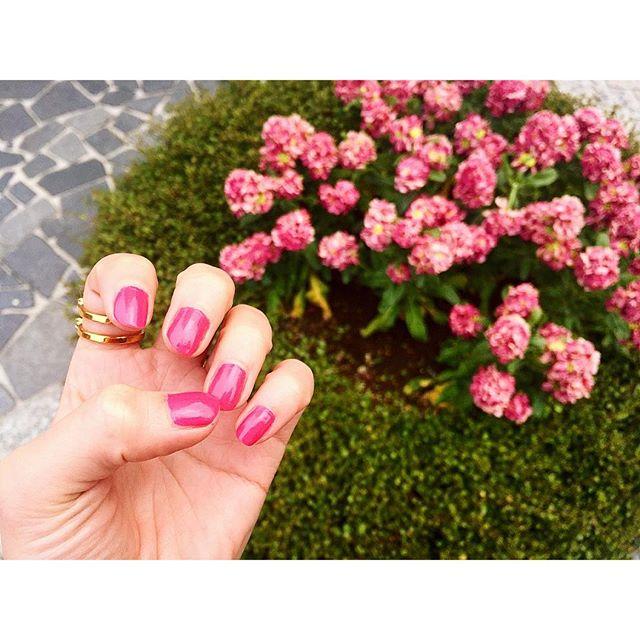 .♡...#IZUMIsfashion #nail #self #pink
