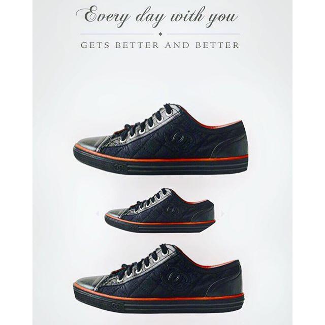 いよいよ、本日の18:00〜ZOZOフリマアプリから販売開始するよ今日UPされてるのは3点!他にも徐々にアイテムが増えていくので、よかったらチェックしてね♡気に入ってもらえたら嬉しいな!...#zozoフリマ #chanel #shoes #sneaker