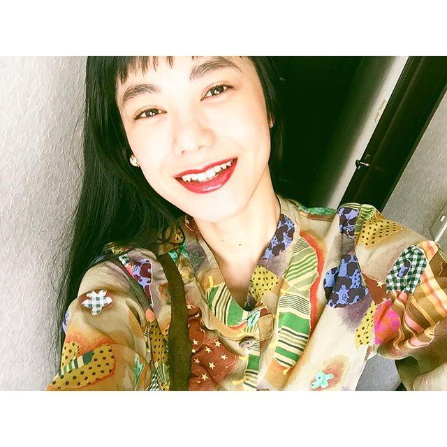 今日も元気に!!笑顔がパワーになりますように!!...#smile #頑張ろう日本 #IZUMIsfashion #IZMAKE #makeup