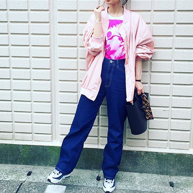 outfit.、、、#IZUMIsfashion #outfitoftheday #ootd #denim #onetshirt #pink #nikeairmax