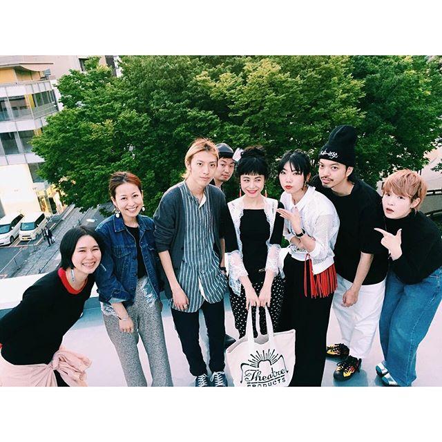 @theatre_products の名古屋撮影チーム♡本当に素敵なメンバーで、最高にたのしい一日でした。♡こうやって大好きなブランドさんとお仕事させてもらえることを心から感謝して。まだまだたくさん素敵な写真があるので、続きはまたUPしていくね〜、、、#シアタープロダクツの名古屋散歩