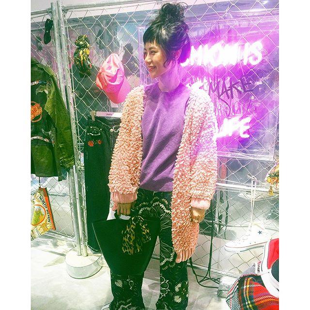 やっぱり秋冬は可愛いわ〜♡ピンクのカーディガンも@jouetie_official 😙、、、#jouetie #markstyler #exhibition #fw #fashion #coordinate