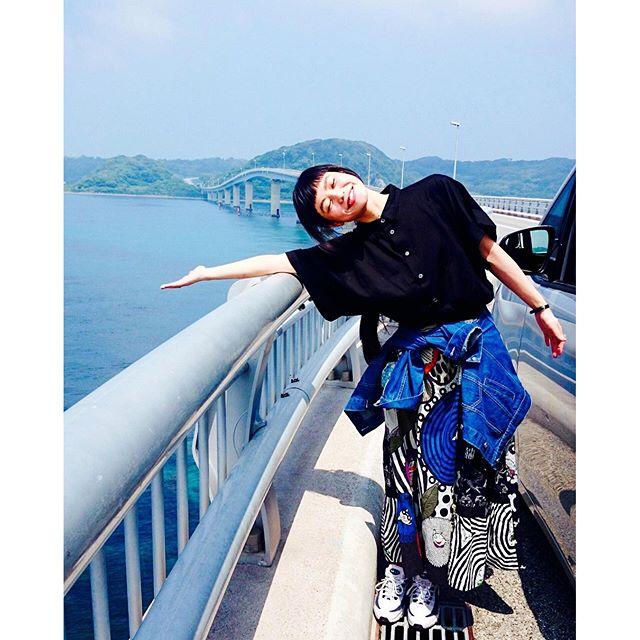 綺麗だよ〜〜〜🏻🏻🏻って何回も言ってた、、、、、#山口県 #角島大橋 # #japan #beautiful #IZUMIsfashion