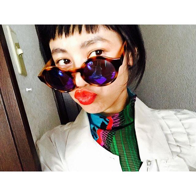 子どもがサングラス掛けて遊んでる顔だね.😎😎😎笑みんなたくさんの意見コメントありがとねー、、、#IZUMIsfashion #IZMAKE #sunglasses #fashion #ootd #me