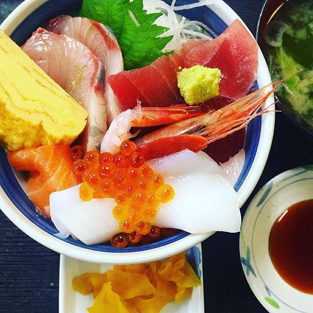 海鮮丼.小田原魚市場食堂は穴場スポット!️、、、#海鮮丼 #ランチ#小田原 #小田原魚市場食堂