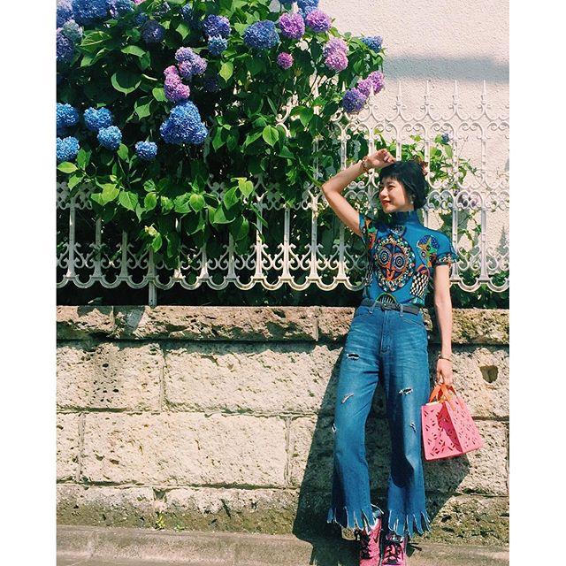 紫陽花がきれいな季節だね。♡あ〜いい天気ってパワーになるね〜、、、#IZUMIsfashion #WEAR更新 #denim #リメイク#outfit #kenzo