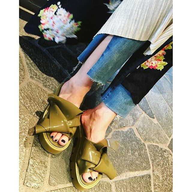 あんまりサンダル履かないんだけど、ツボすぎるサンダルに出逢ってしまった@viabusstop #izumisfashion #japan#viabusstop #sandals #summer