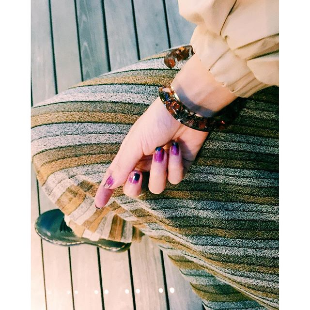#izumisfashion #ootd#zara #skirts #drmartens #nail #self #accessories