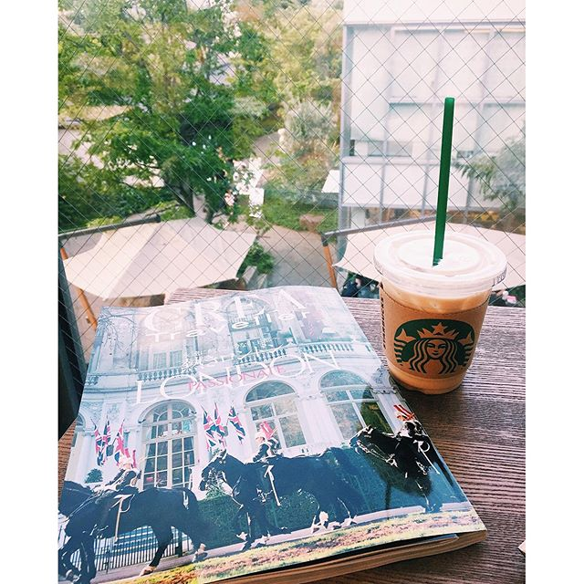 I want to go to London.#starbucks #magazine #daikanyama #london