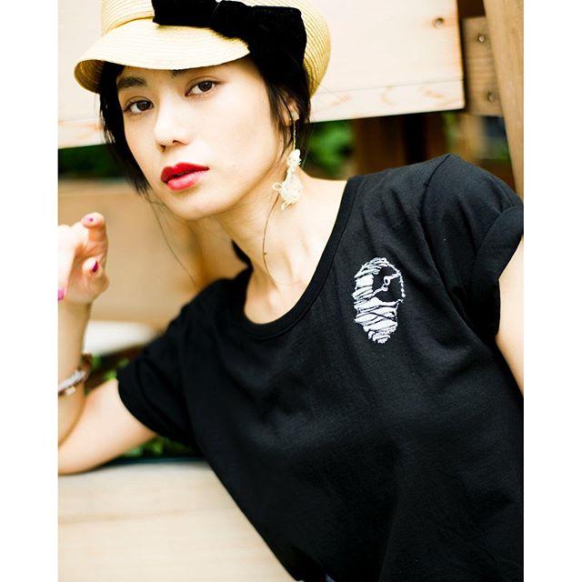 @syte_official #syte #tshirts #coordinate #black #ca4la #hat
