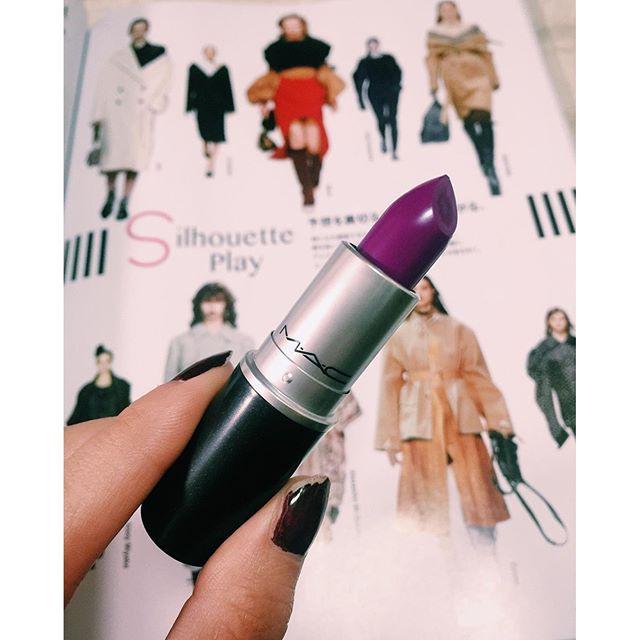 秋の限定色@maccosmetics 秋冬メイクがたのしみすぎる.♡、、、#izmake #mac #cosmetics #aw #makeup #lip #parple