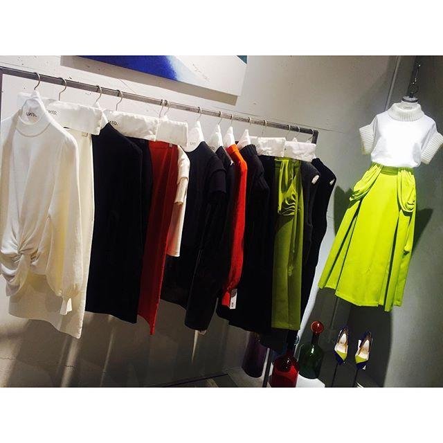 .ずっと気になっていたブランド、@un3d_official が青山店openということで、お邪魔してきました!!!この黄色のスカートの色味が最高すぎて。。️#un3d #aoyama #open