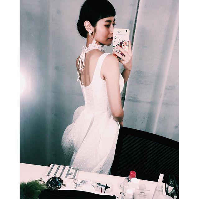 .女性は結婚式にこんなドレス着たいなぁっていう夢ってあるよね♡classicalでとってもタイプで素敵なドレスをいろいろ着させていただけて幸せみんなの将来の参考になりますように💭💭💭#shooting #wedding #dress