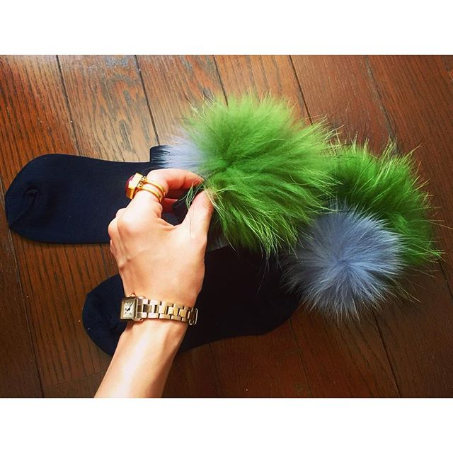 .今日は先日 @un3d_official で購入したこのお気に入りファーソックスを初おろししたの♡これから大活躍間違いなし。♡他の色も欲しい。。💭#un3d #fur #socks