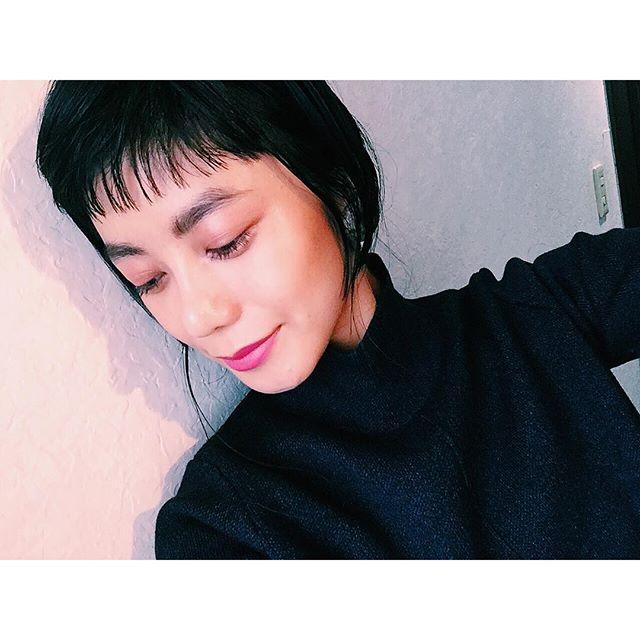 .昨日はpinkメイク♡@rmsbeautyjapan @chanelofficial @shuuemura_jp のそれぞれのpinkのアイシャドウを重ねづけ♡Lipは、 @cliniquejp のリキッドマットのpinkベージュと @cliniquejp のポップマットの濃いめのpinkを重ねづけ♡#izmake #makeup #self #pink#izumisfashion #clinique #rms #shuuemura #beauty