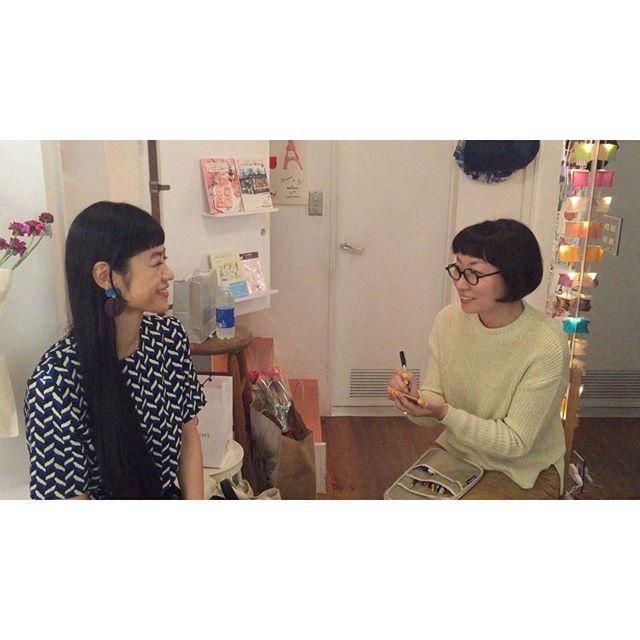 .@kie_pinoko さんに似顔絵描いてもらっちゃった✍🏻️わくわく。。。♡♡#kie #illustrator #designer #世界キネマの旅 #表参道 #個展