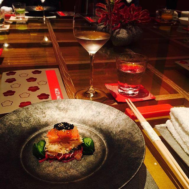 """.ホテルウィンパレスの""""Mizumi""""という日本食レストランには、日本のシェフが8名いて、素敵な日本食が食べられるのが、日本人としてとっても嬉しい。マカオで日本の良さが広まるといいなぁ。。♡#WynnPalace #macau#dinner #japanesefood"""