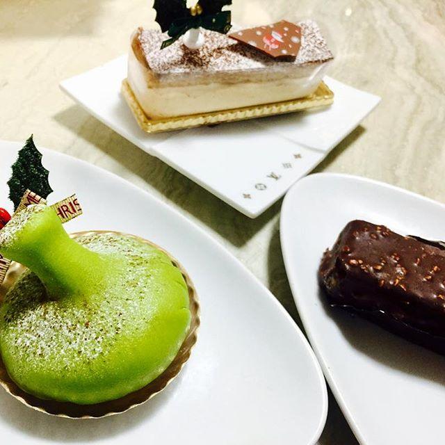 .なんだかみんなが幸せそうでいいねいいねクリスマス一人だからとか気にすることない。だって、自分が幸せって感じることが大切だもん。日常に小さな幸せってたくさんあるから。食べたいものを選んでごはんを食べるのもそう。ほっこり笑顔がでるはずだね♡明日もいい日にね#merryxmas #cake #happy