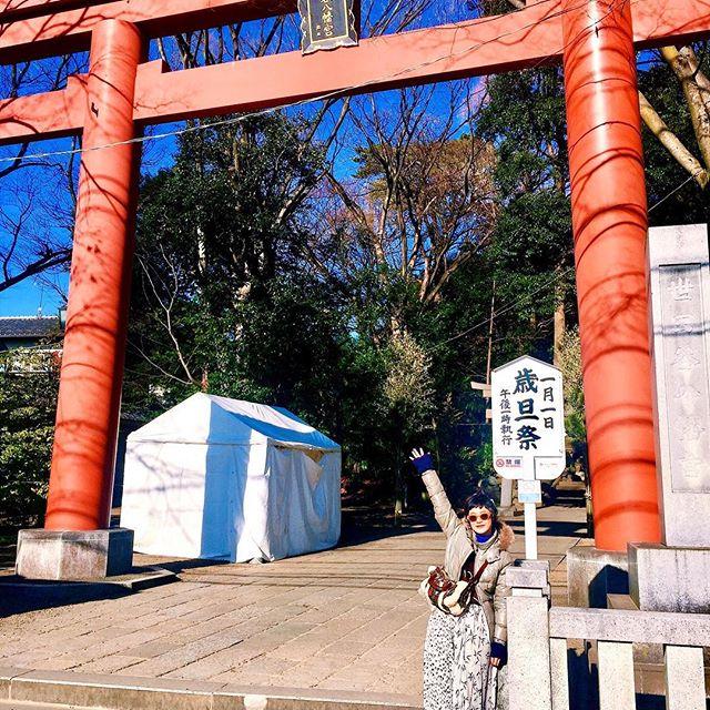 .初詣⛩今年のおみくじは、、、大吉ーしかし、書いてあることの助言が今の自分にぴったりすぎて、大切なことを忘れずに精進していきたいな。今日から仕事始めの方も多いかな??今年は酉年みんなで飛躍の年に出来るように、上を向いていきましょー(⌒▽⌒)#初詣 #izumisfashion
