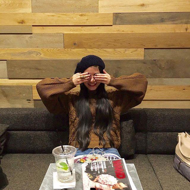 本を読んでいたら、カフェで @naaaao_ ちゃんにバッタリビックリした〜