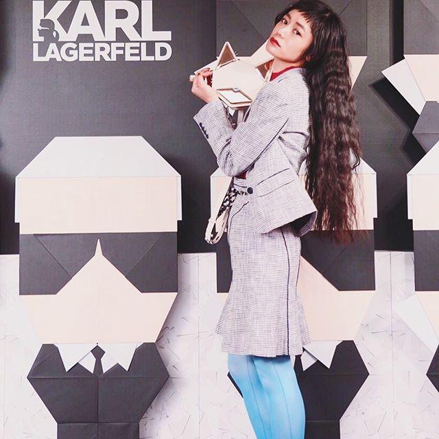 .明日からいよいよ発売の、Limited Edition by KARL LAGERFELD 2017ss 。一足お先にイベントにお邪魔してスタイリングを楽しんできました!♡ツイードのSET UPに、Color itemを合わせるのがたのしい.♡春もわくわくするなぁ💭@limited_edition_ss #オリガミカール #LEカール #izumisfashion #self #coordinate